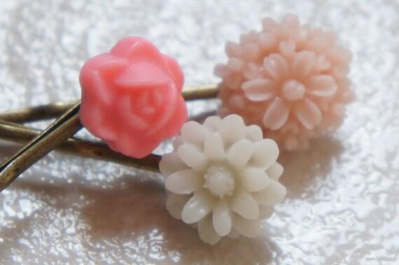 Sweet Garden Flower Bobby Pins - Set of 3 - Pink Blush White  - Rose Marigold Flower