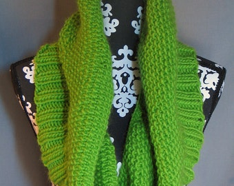 In The Limelight - Chunky Knit Cowl