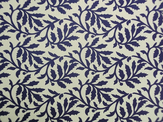 "Italian Paper - CARTA VARESE Design B32 - ""Blätterranke blau"""