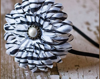 Zebra Flower Headband - Zebra Daisy on a Satin Lined Metal Headband - Animal Headband - Black / White Daisy Headband