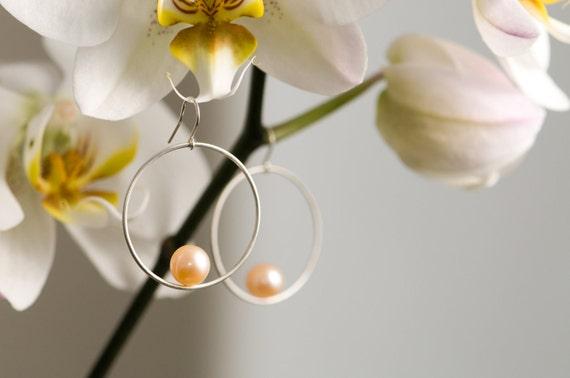 Peach Pink Pearl Hoop Earrings - Pearls in Sterling Silver - Free Shipping
