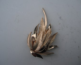 Trifari brushed and polished Gold tone  3D leaf brooch