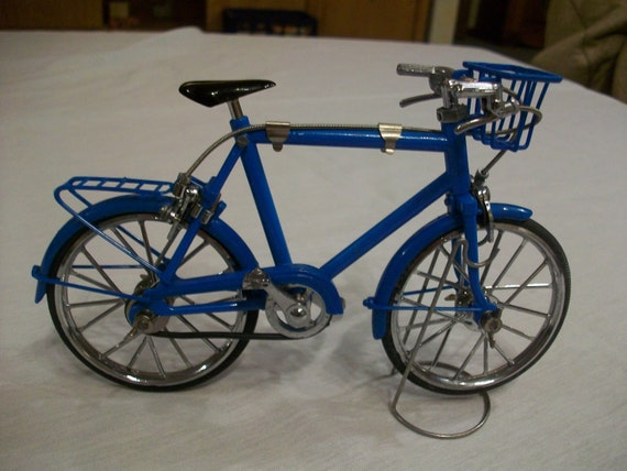 Vintage Metal Blue miniature collectible bicycle