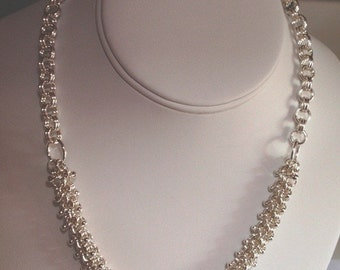 Chain Maille Beaded Fluffy Necklace