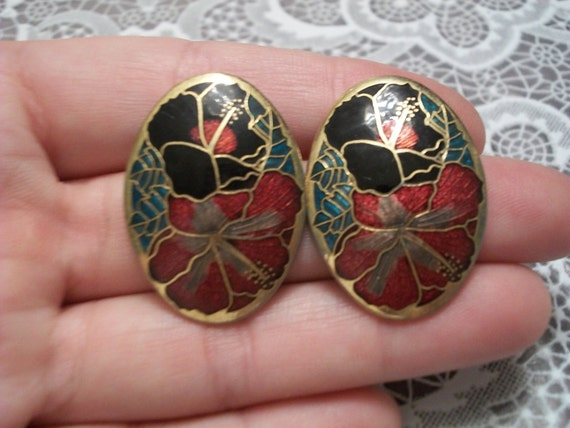 Vintage cloisonne earrings black and red hibiscus flowers.