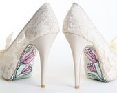 Lovely lace high heels...size 8...Hand-painted by Only Hanna