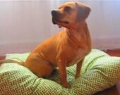 Dog Bed Green & White Sz Medium / Large