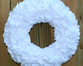 White Wreath --- Wedding Wreath --- Fleece Wreath --- Door Wreath --- Indoor Wreath --- Bridal Wreath --- Wedding Decor --- Rag Wreath