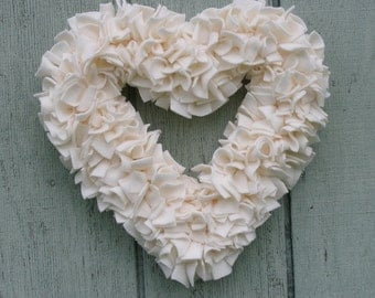 Ivory Heart Wreath -- Wedding Decor -- Cream Wreath --- Off White Wreath -- Fleece Wreath -- Spring Wreath -- Wedding Wreath -- Rag Wreath