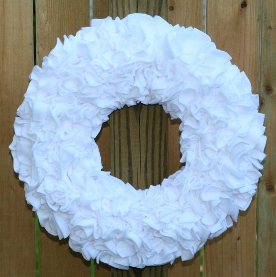 "Spring Clearance Sale --- 15"" Handmade Fleece Rag Wreath --- Pure White --- Ready to Ship"