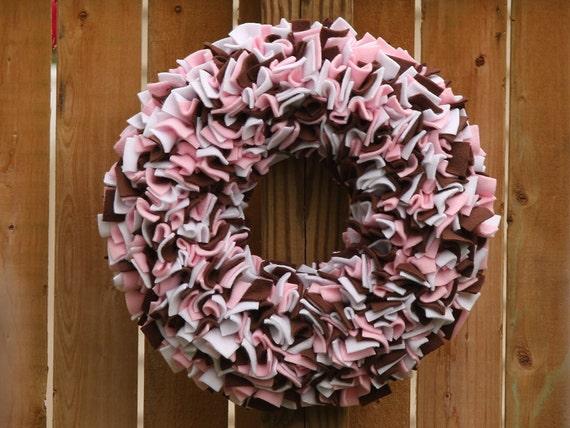 Pink White and Brown Wreath --- Fleece Wreath --- Door Wreath --- Indoor Wreath --- Multicolor Wreath --- Rag Wreath --- Neapolitan Wreath