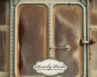 NEW ITEM 5ft x 5ft Rusty Old Door / Vinyl Photography Backdrop Floordrop Newborn photos