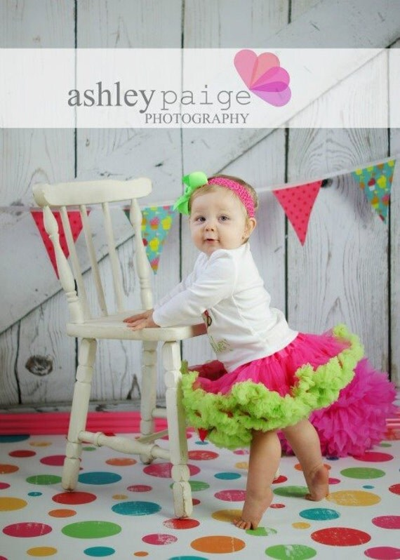 LARGE 5ft x 5ft Vinyl Photography Backdrop BIRTHDAY Polka dots Multicolor Perfect for Childrens Birthdays
