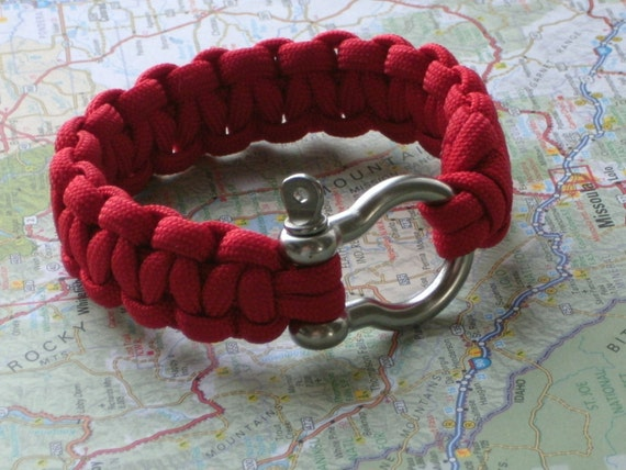 Paracord Survival Bracelet with Stainless Steel Anchor Shackle