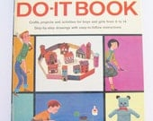 Vintage Childrens Craft Book McCall's Golden Do It Book 1960