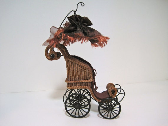 Miniature Wicker Perambulator for Dollhouses 1""