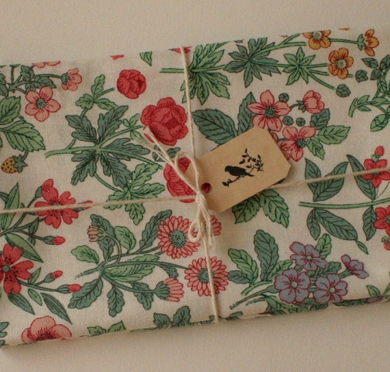 Vintage Floral Fabric, Cotton Fat Quarter, Sewing Supply