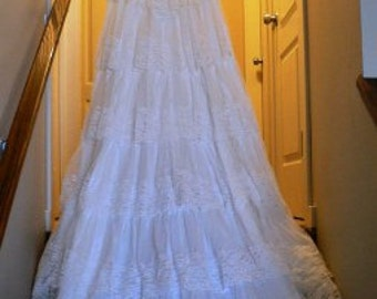 vintage wedding ... VINTAGE Bride WEDDING Dress  with full Ruffled Train... vintage wedding
