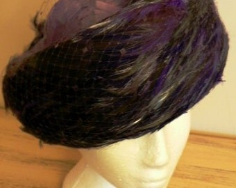 sale 20% off all vintage hats ... Felted Wool topped with PURPLE FEATHERS STUNNING Vintage ...