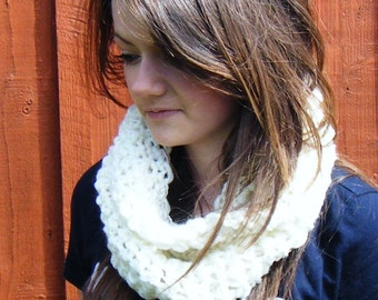 White Summer Cowl