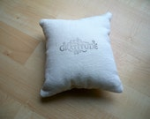 Small throw pillow in black and white- Gratitude