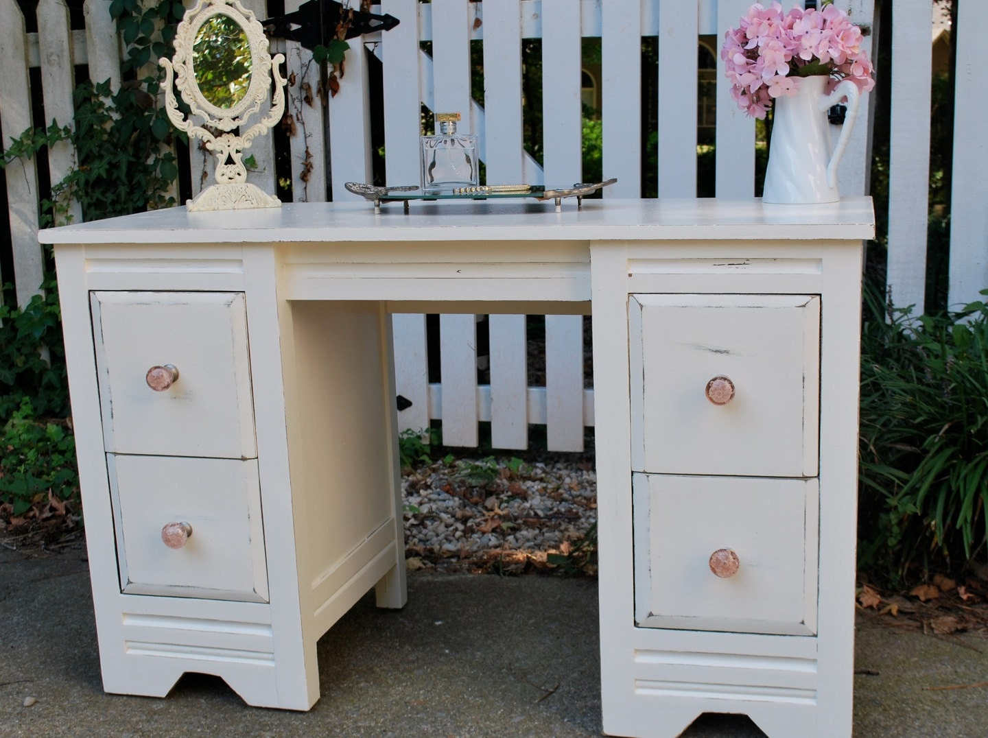 Shabby Chic Antique White Bedroom Vanity