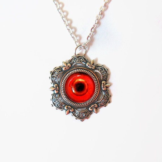 Vampire's Eye: Eyeball Necklace