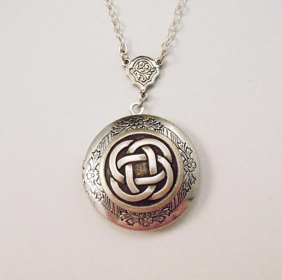 The Infinite-- Celtic Knot Silver Locket--christmas gifts.photo locket.Antique Locket.Graduation Gift.Valentine's gift.