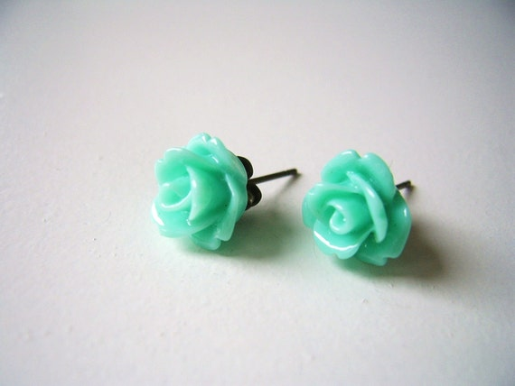sweet tiny resin rose earstuds