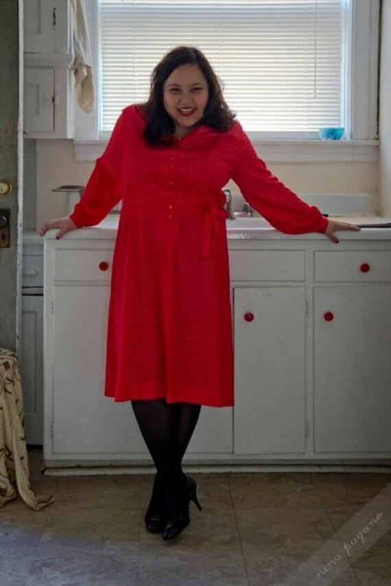 Summer Sale - 1970s Plus Size Fashion Red Shirt Dress XL/XXL