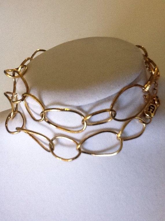 Basic Gold Tone Necklace