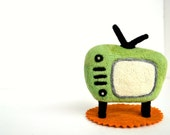 Needle Felted Retro Green TV-Natural Toy
