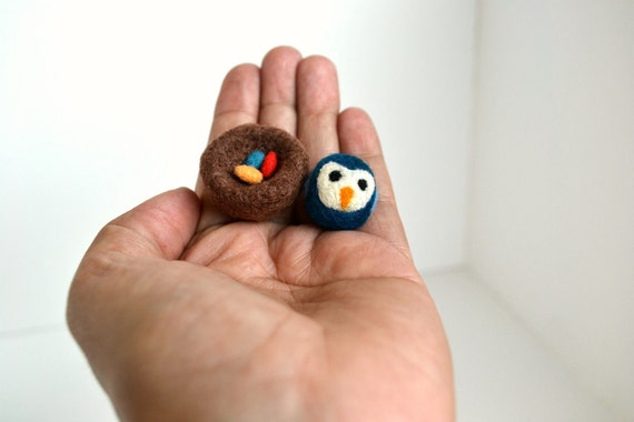 Needle Felted-Tiny Blue Bird in Nest with 3 tiny eggs