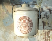 Vintage Crock Pot With The Seal of the United States, A Crock with A Covered Lid in Good condition