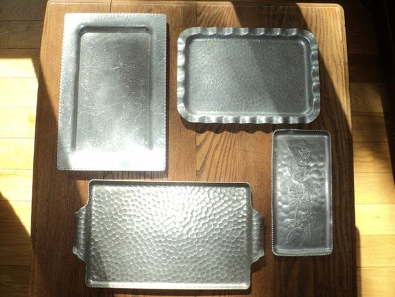VINTAGE ALUMINUM TRAY Collection