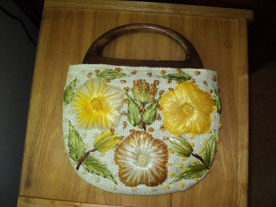 Retro 3 in 1 Style Handbag  Purses with a  Wooden Handle and changeable bags, hand sewn embroidered purses in Very Good Condition