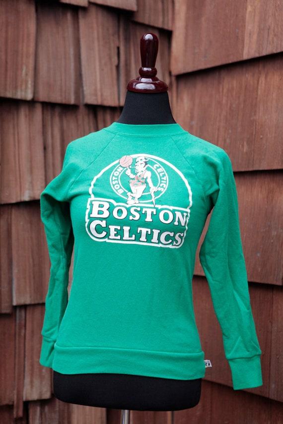 Vintage BOSTON CELTICS Crew Neck Sweatshirt - Logo 7 1980's - nba basketball - size XS/S