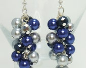 Pearl Earrings, Navy and Gray, blue and gray wedding jewelry, bridesmaids pearl earrings, cluster earrings earrings, navy pearl earrings