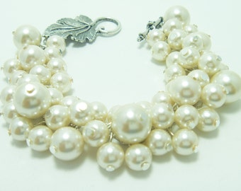 Ivory Cluster Pearl Bracelet, Bridal Jewelry, Wedding Bracelet, Bridesmaid Pearl Bracelet,Chunky Bracelet,Cream Pearl Jewelry, Pearl Jewelry