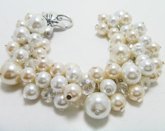 White and Ivory  Cluster Bracelet, Chunky Bracelet, Bridal Jewelry, Cream Bracelet, Pearl Jewelry, Bridesmaids Jewelry