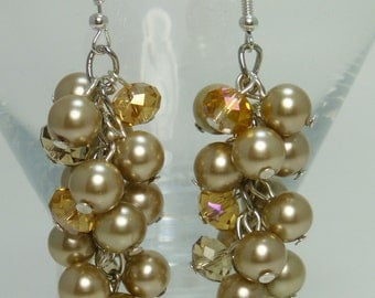 Pearl Cluster Earrings, Champagne chunky earrings, pearl bridal jewelry, beige cluster jewelry, champagne cluster earrings, pearl jewelry