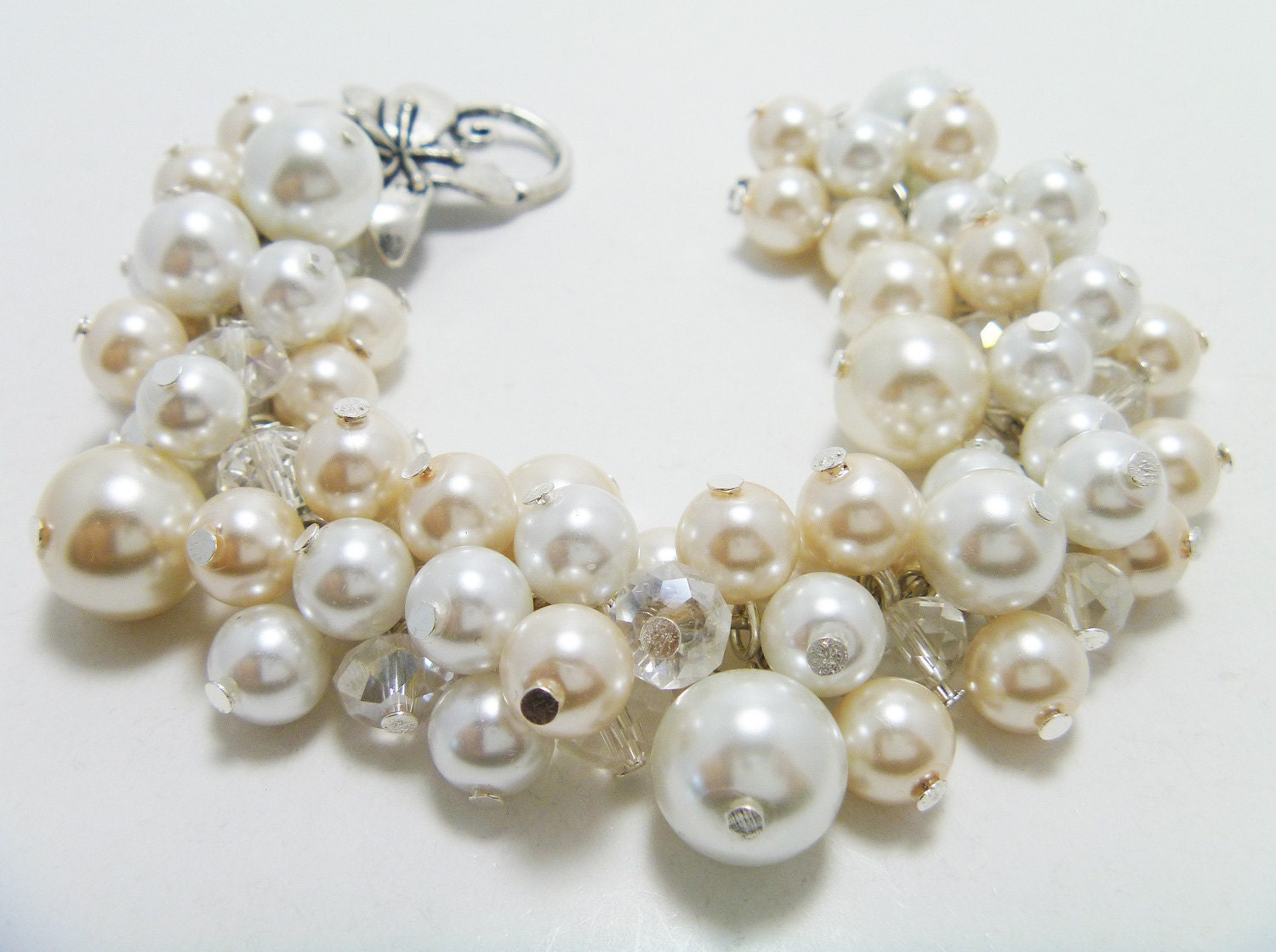 Ivory vs White Pearls White And Ivory Cluster