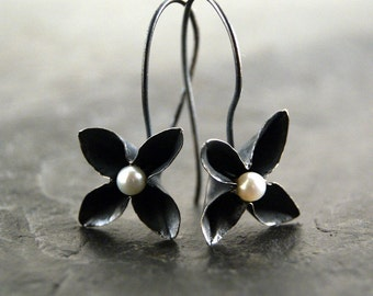 Bloom Earrings - Freshwater Pearls and Oxidized Sterling Silver