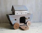 Primitive Wooden Noahs Ark - Toy - Decoration