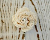 Simple Sola Wood Flower Bridal Hair Accessory - Bobby Pin, Hair Pin - Wedding Hair Accessories - Small - Ivory, Cream - The Sunny Bee