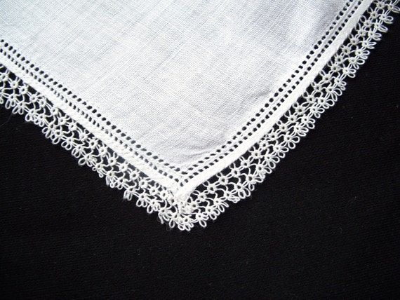 Vintage WEDDING Handkerchief HANKY Hankie White Cotton LACE Tatting Tatted Edge Bridal Bride