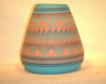 Navajo etched pottery -- Native american indian hand made pot -- signed by artist with roll number