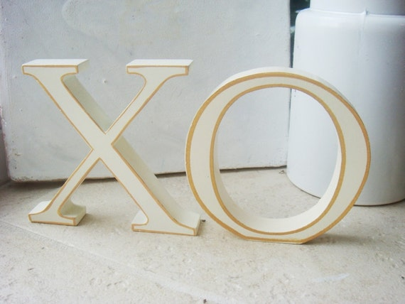 XO Hugs and Kisses Wood Letter Home Decor Free Standing Ornament