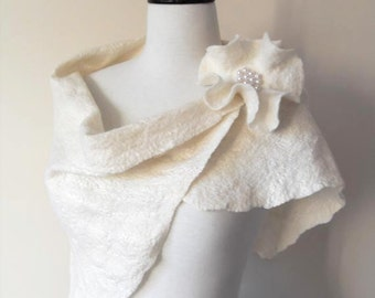 Wedding Shawl Bridal Shawl Bridal Wrap Ivory Bridal Stole Shrug Scarf Wool and Silk with brooch