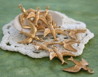 Bird Charms, Raw Brass Bird Stampings, Swallow Charms, Birds Swallows STA-003